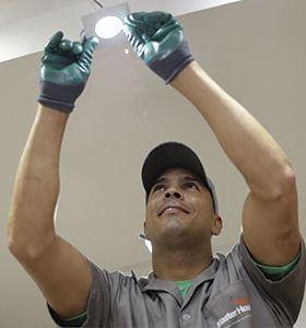 Eletricista em Brasilândia de Minas, MG