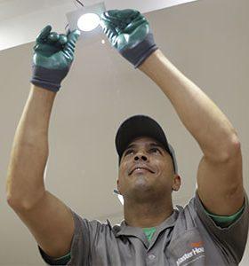 Eletricista em Santana da Ponte Pensa, SP