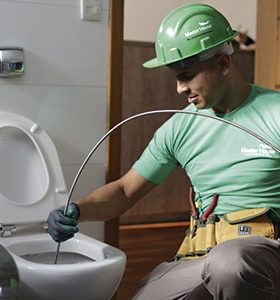 Encanador em Água Comprida, MG