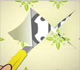 Recorte do papel de parede para instalação de espelhos de energia
