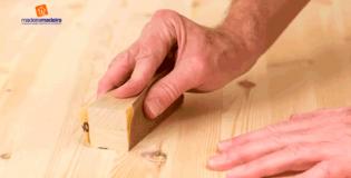 Como instalar uma porta de madeira