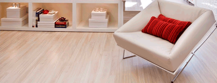 Como limpar piso laminado e de madeira master house for Pisos laminados homecenter