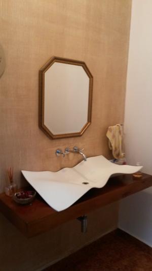 Como instalar espelho em banheiro