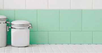 Aprenda a pintar os azulejos da sua casa