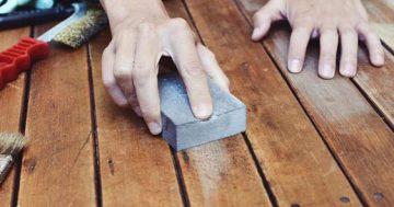 Como remover verniz em portas, janelas e móveis e pintá-los novamente